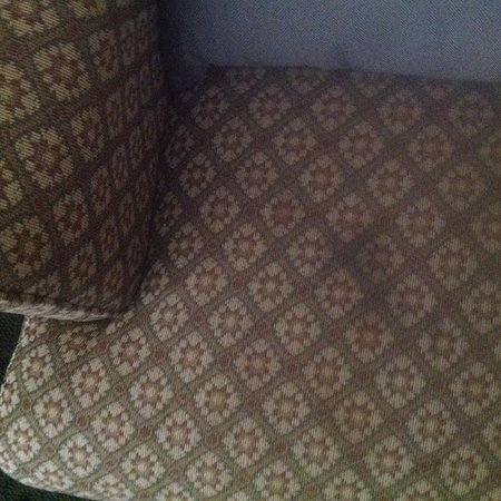 Baymont Inn & Suites Winston Salem: Stains and massive smell on room chair