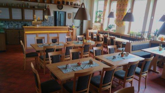 Rudenhausen, Germany: Der Gastraum unseres Gasthofes mit Sitzplätzen für bis zu 40 Personen