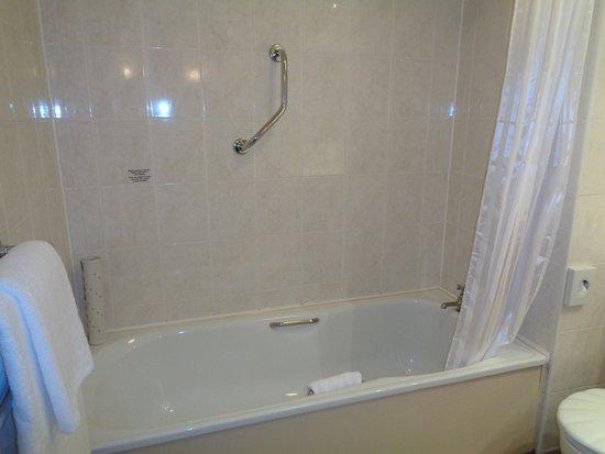 Hallmark Hotel Glasgow: Bath