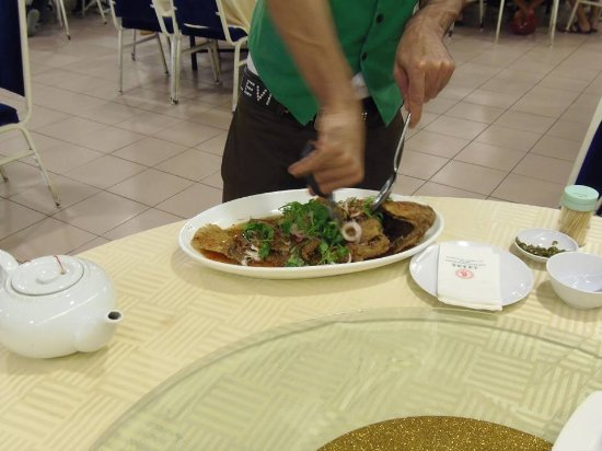 Sri Kembangan, Malezja: Cutting service all part of the excellent service provided.
