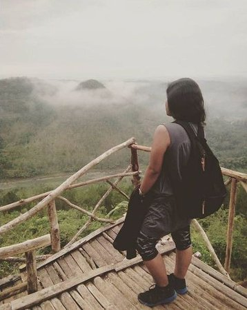 Bantul, Indonesia: Standing on one of the spots to see the fog