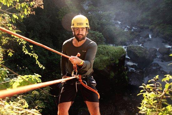 Brotas, SP: canionismo cachoeira de 40 metros de altura