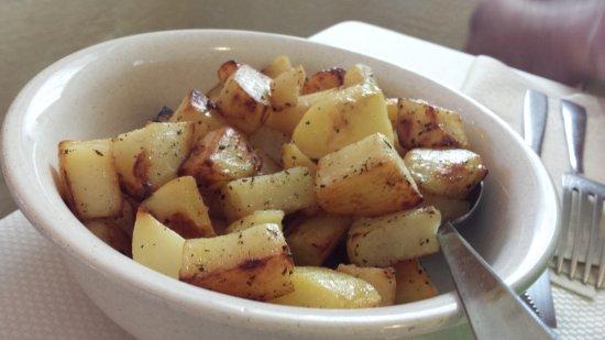 Tambre, Italy: contorno di patate al forno