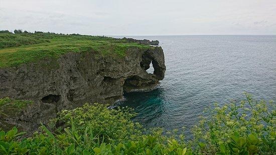 崖に緑と海の青が映えます - Cape Manzamo, 오나손 사진 - 트립어드바이저