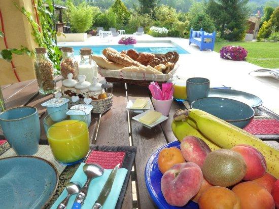 Les Bambous B&B Levens France - Le petit déjeuner