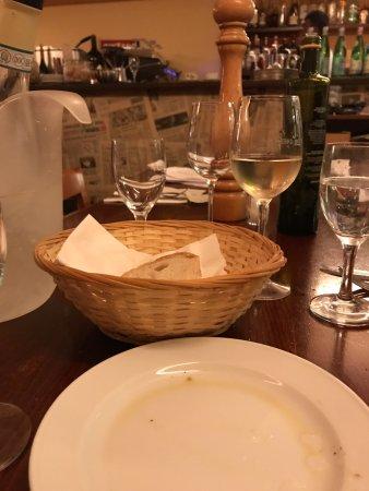 A Tavola: Tisch