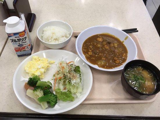 Toyonaka, Japón: 早餐 (乳酪飲品是自行在便行店買的)