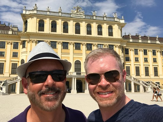 Vienna Explorer Tours & Day Trips : At Schonbrun