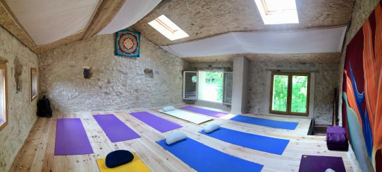 Comps-sur-Artuby, France: Cours de Yoga