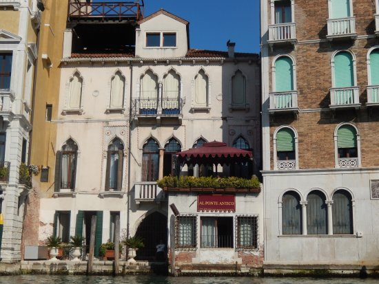 Al Ponte Antico Hotel (from the Grand Canal)