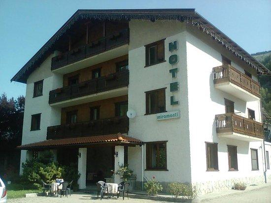 Hotel Miramonti: FACCIATA HOTEL