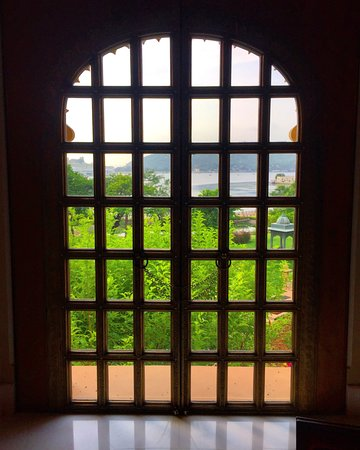 The Oberoi Udaivilas: View from Restaurant