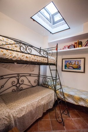 appartamento Nosside camera con letto a castello - Picture of ...