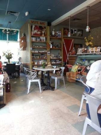 Lantana, FL: The quaint interior