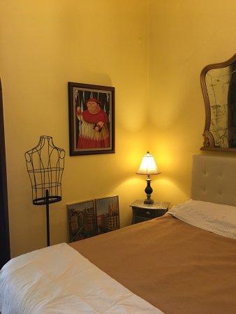 De retour du BarcelonaBB j'en profite pour donner mon avis.  Nous étions dans la chambre jaune.