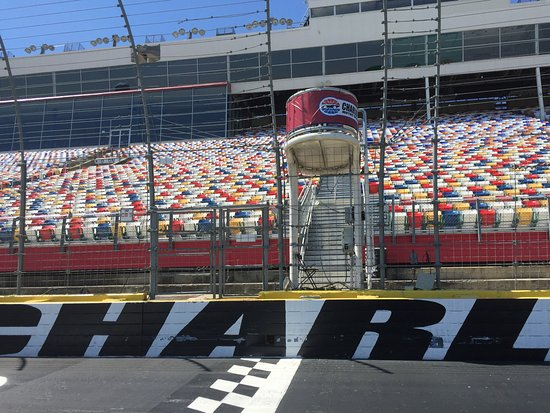 Finish line picture of charlotte motor speedway concord for Ride along charlotte motor speedway