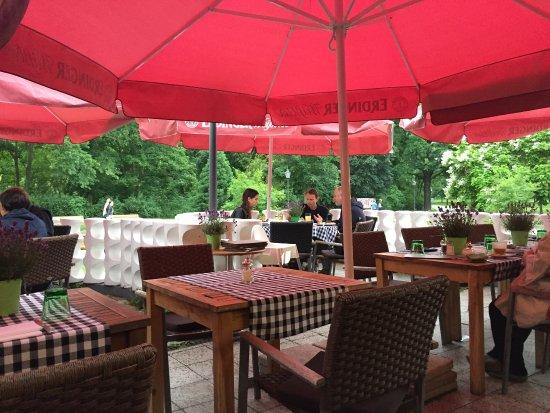 Restaurant Schoenbrunn: Terrace