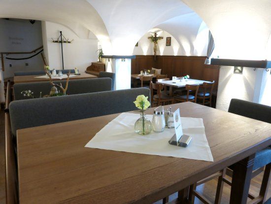 Upper Bavaria, Tyskland: Restaurant inside - clean and cool in the summer
