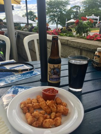 Egg Harbor, WI: Great cheese curds!