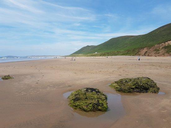 Rhossili Bay: Unspoilt beach