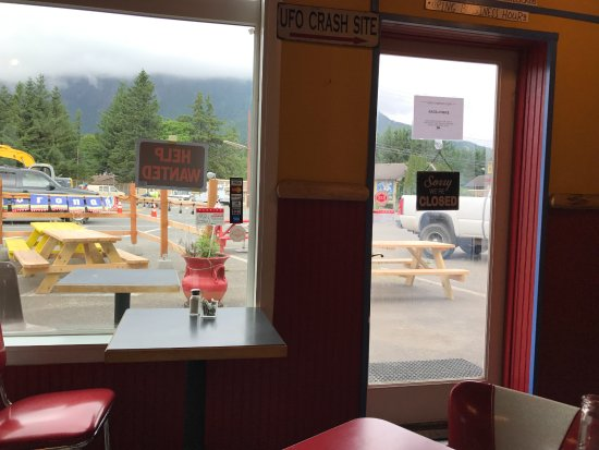 Looking out the front door - Picture of Rio Bravo, North Bend ...