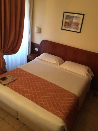 Hotel Smeraldo: Double Bed
