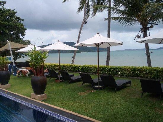 Cloud19 Beach Retreat: บริเวณโรงแรม-ถ่ายจากห้องนอนคะ