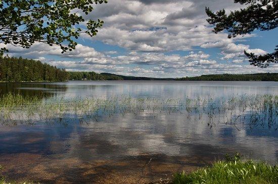 Hallefors, Sweden: Ein Platz am See