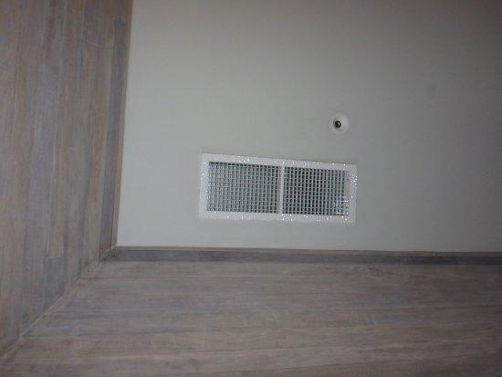 Kanuhura: Tropfende Klimaanlage