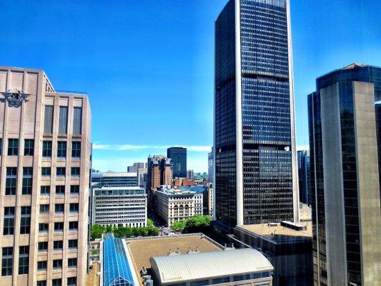 Hotel Bonaventure Montreal: Room 2303 view
