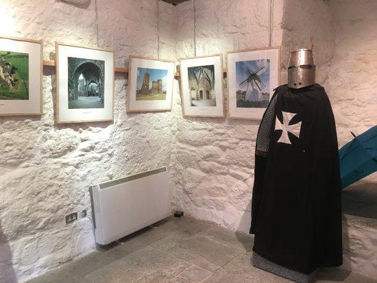 County Wexford, İrlanda: That helmet is heavy