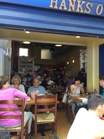 Hank's Oyster Bar: photo3.jpg