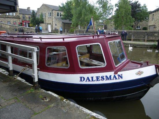 Skipton, UK: The Dalesman canal boat roast dinner trip