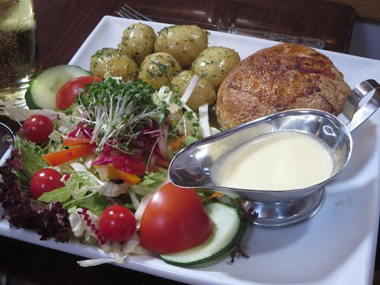 Hayes, UK: Vegetarian Wellington. A delicious veggie option for Sunday Lunch