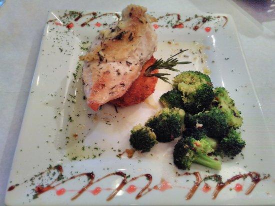 Serenity Bistro: Pan seared chicken