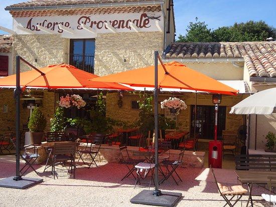 Crillon-le-Brave, Франция: Restaurant, Glacier et Salon de thé