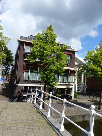 Hotel Leeuwenbrug: Hotel am Kanal