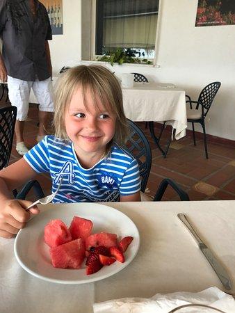 Park Hotel Silemi: завтрак с любимым арбузом
