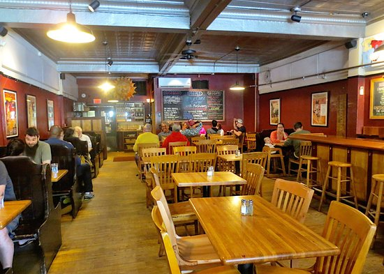 Greenfield, MA: People's Pint Brewpub
