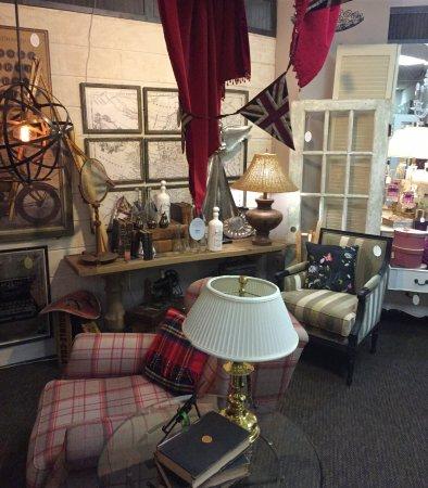 Avonlea Antiques & Design Gallery