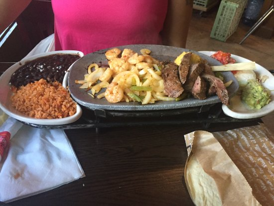 Hanover, Мэриленд: Shrimp & Steak Fajita's