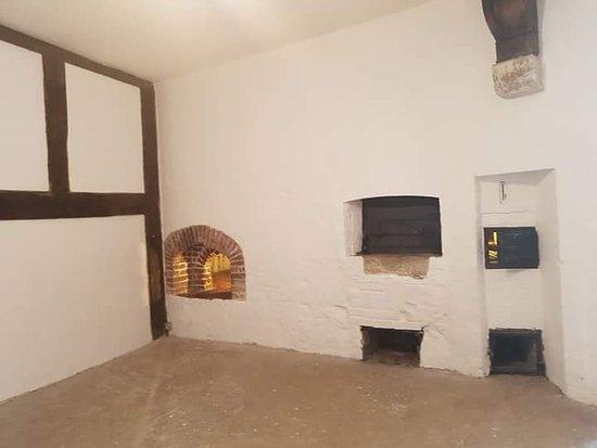 Deal Castle: Kitchen
