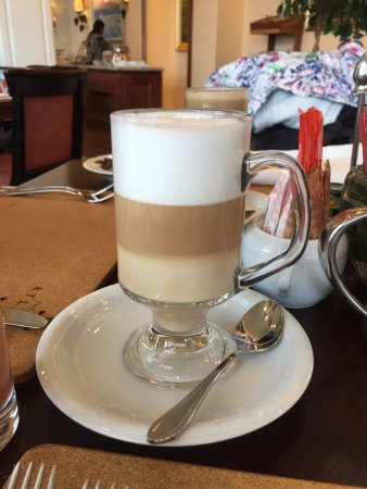 The Table Bay Hotel: Caffee latte at breakfast