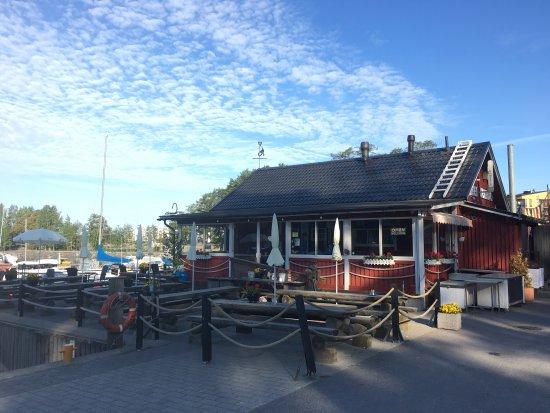 Kahvila Kampela: Kampela - merellinen kahvila Vuosaaren Aurinkolahdessa