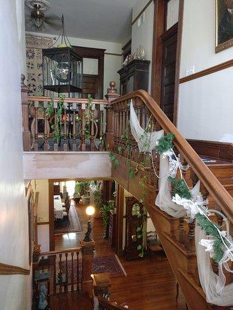 Alton, IL: Stairs