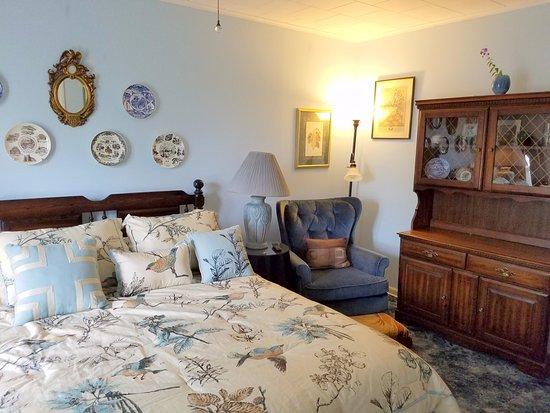 Oneonta, NY: Rudy Room