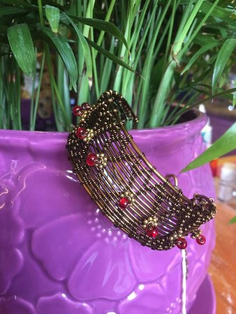 Chamberlain, SD: handcrafted wire weaving jewelry