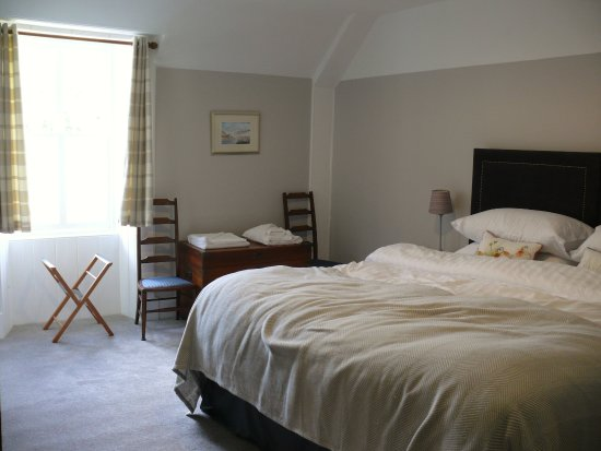 The Inn at Loch Tummel: Bedroom 6 from the other side of the bed (bed unmade after me sleeping in it!)