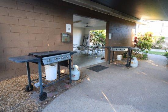 Dunk Island View Caravan Park: BBQ