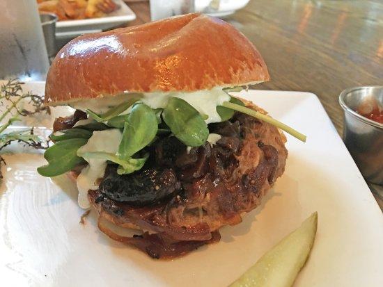 PUBLIC eat+drink: Lamb sandwich